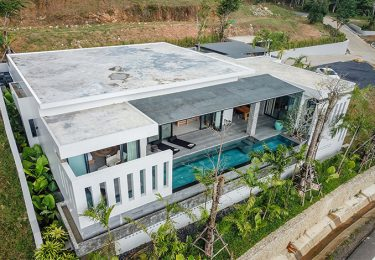 Phuket Luxury Living Lake Hillside Villa with 4 bedrooms in Thalang