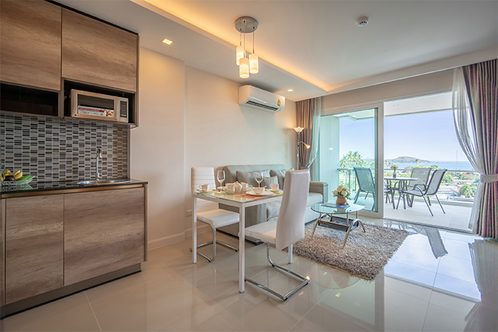 Phuket Luxury Living One Bedroom Apartment with Pool / Sea View