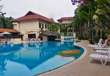Bangtao pool access apartment