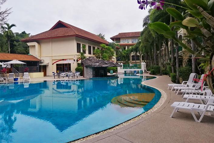 Bangtao pool access apartment
