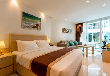 PLL_beach frotn apartment in Chalong beach Phuket for Studio with sea view