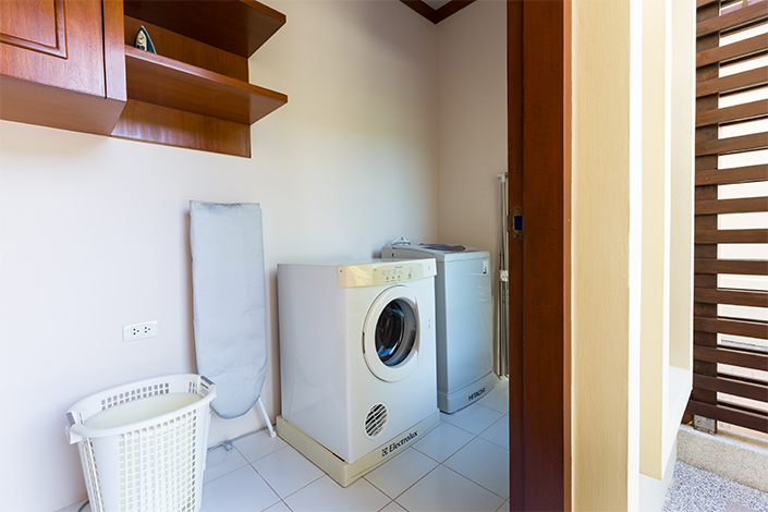 RENT-Holiday private house with Jacuzzi for one Bedroom in Naiharn
